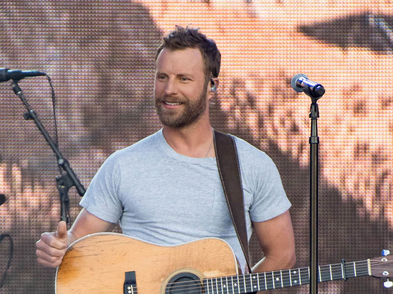 Dierks Bentley: Beers on me tour at Xfinity Center